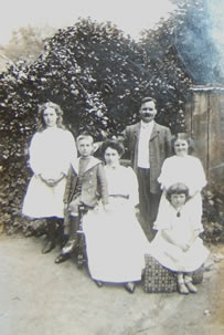 The McKeown Family who resided at Sunnyside, Glenavy